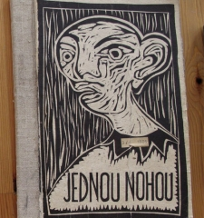 Jednou Nohou ~ With One Foot
