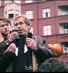 "Documentation of independent public gathering at ""Skroupovo Námestí"", Praha 10.12.1988"