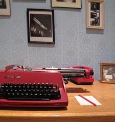 """Typewriter """"consul"""" installation view"""