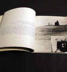 Acconci, Petr Rezek, photograph